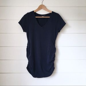A PEA IN THE POD Navy V Neck Tee